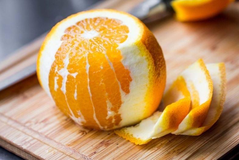 Como descascar laranjas